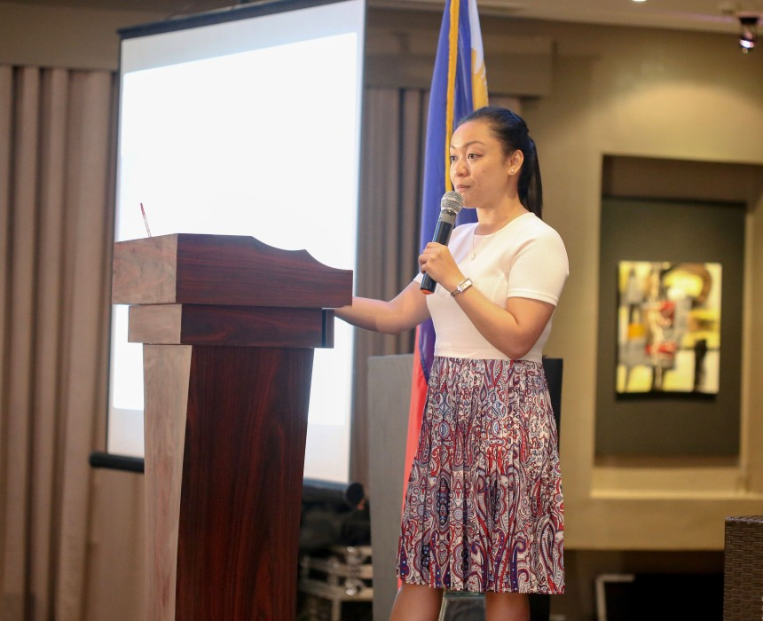 Photo of Lea Angela Pradilla delivering a plenary presentation at the Department of Education's First National MTB-MLE Conference in Mariveles, Bataan, on 2-4 August, 2017.